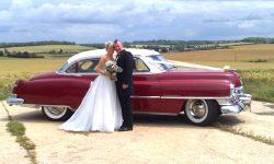 1950 Cadillac 4 door Saloon in Cream over Red 1 en