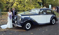 1951 Bently MK VI in Midnight Blue over Ivory