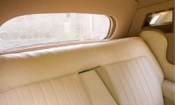 1952 Bentley 'R' Type Sports in Ivory with Black running boards and arches (interior)